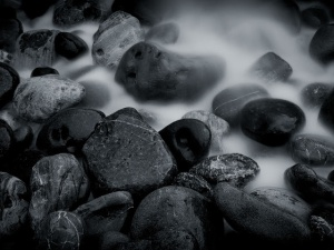 Black-and-White-River-Rocks-Wallp-TLG-1.jpg